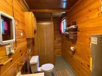 cabin 5 bathroom